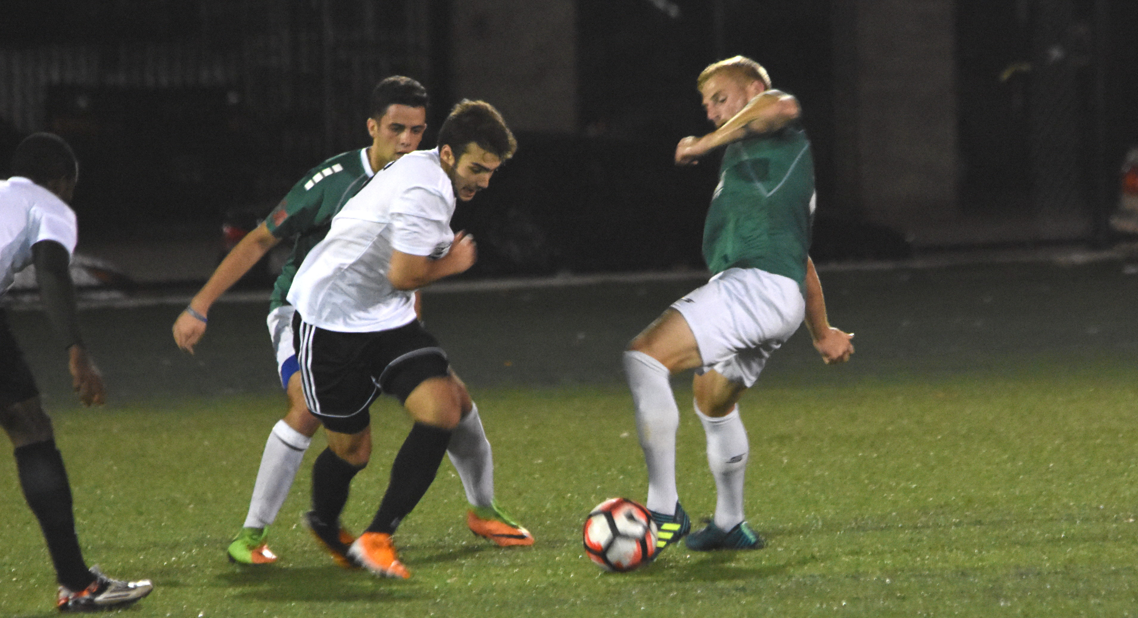 Shamrocks and Central Park split points in a 1-1 draw